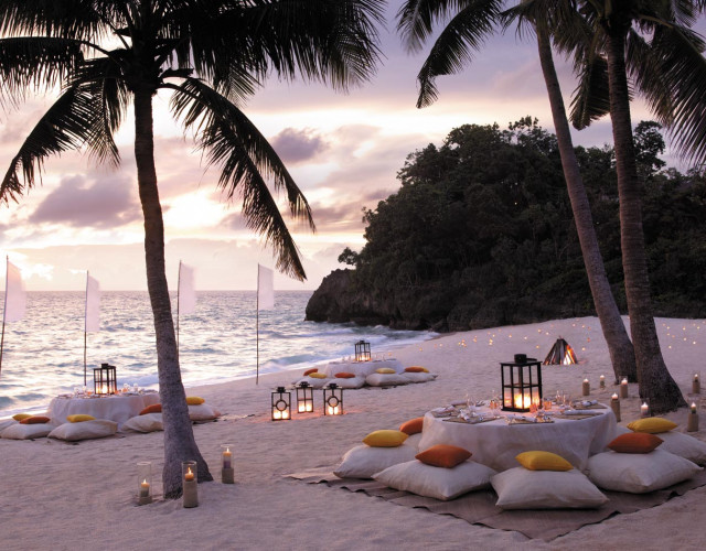 (N)64m002h---Beachfront-Dinner-Party.jpg