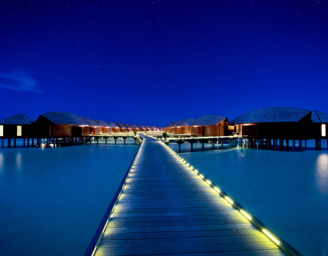 Hi_ADHI_73108506_ADHI_Over_Water_Suites_Jetty_Nighttime_01_G_A_H.jpg