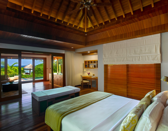 Baros-Maldives_Baros-Suite_Interior-web.jpg