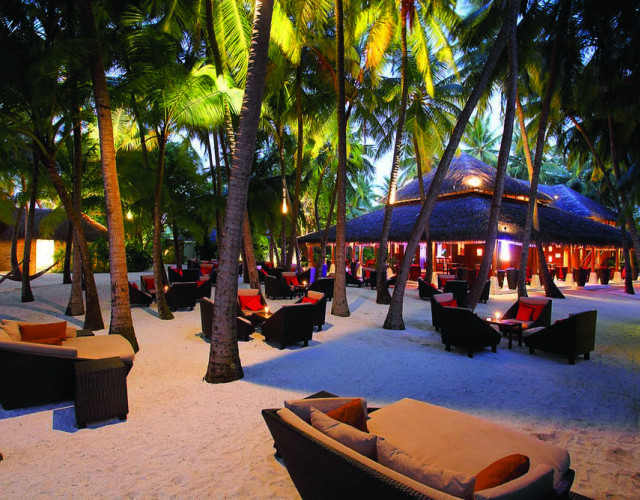 baros-maldives_sails-bar_hr.jpg
