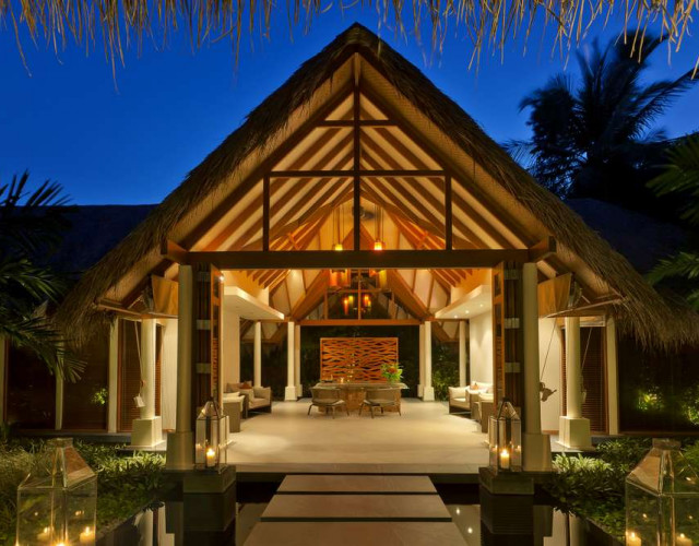 baros-maldives_spa-exterior_hr.jpg